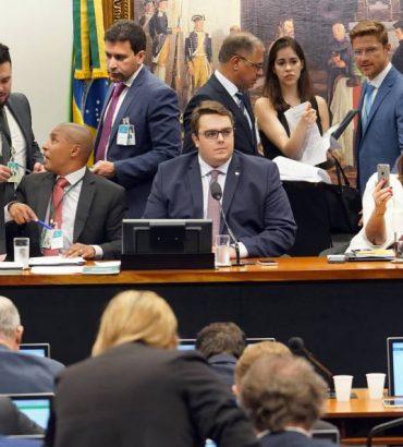 Todos os deputados do Paraná na CCJ da Câmara votaram sim a reforma da Previdência