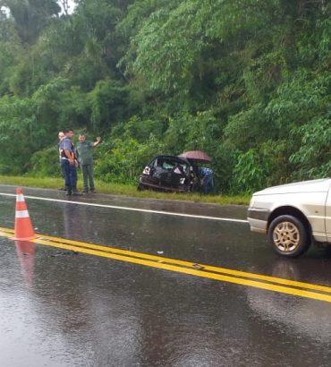 Brasileira morre em acidente em Ruta perto de Puerto Iguazu; Veículo aquaplanou em poça de água