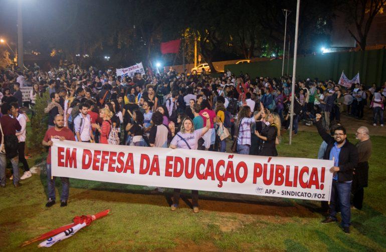 Há quatro anos sem data-base, educadores perdem dois salários por ano - foto Marcos Labanca-Arquivo