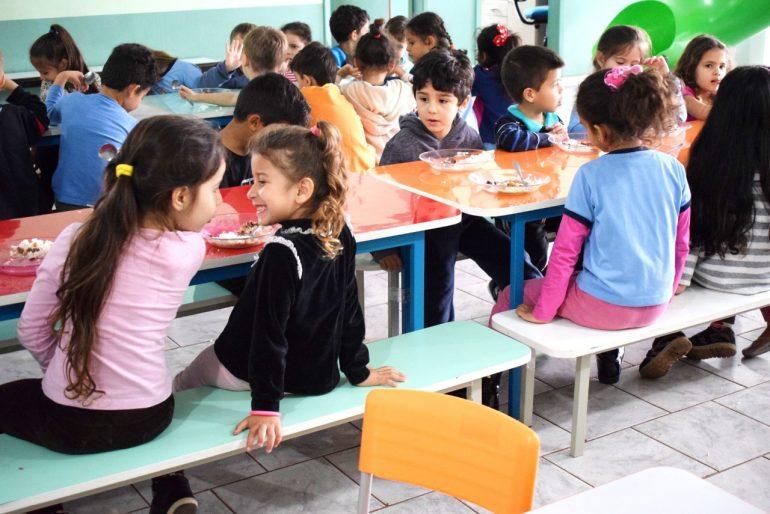 alimentacao escolar foz