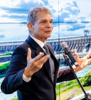 Há seis meses no cargo, Silva e Luna criou uma nova Itaipu