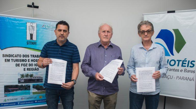 Gilmar Piolla, Neuso Rafagnin e Wilson Martins - Foto Marcos Labanca
