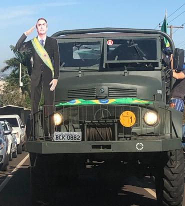 Extrema-direita lidera manifestação contra a quarentena do Coronavírus em Foz do Iguaçu. Assista!