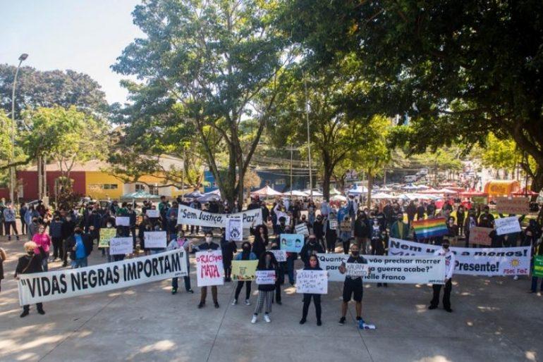 Movimento antirrascista em Foz (Foto Marcos Labanca)