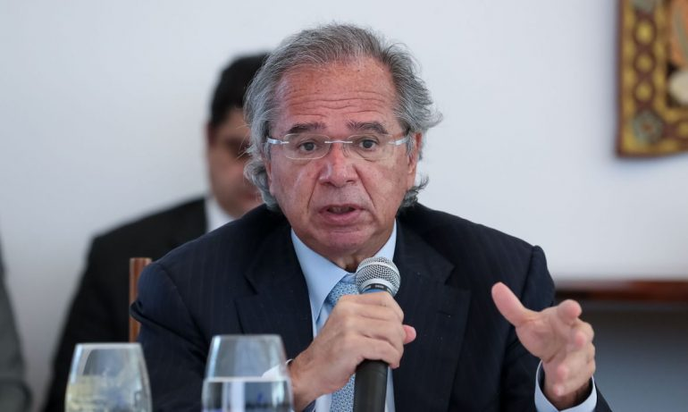 paulo-guedes-auxilio.jpg