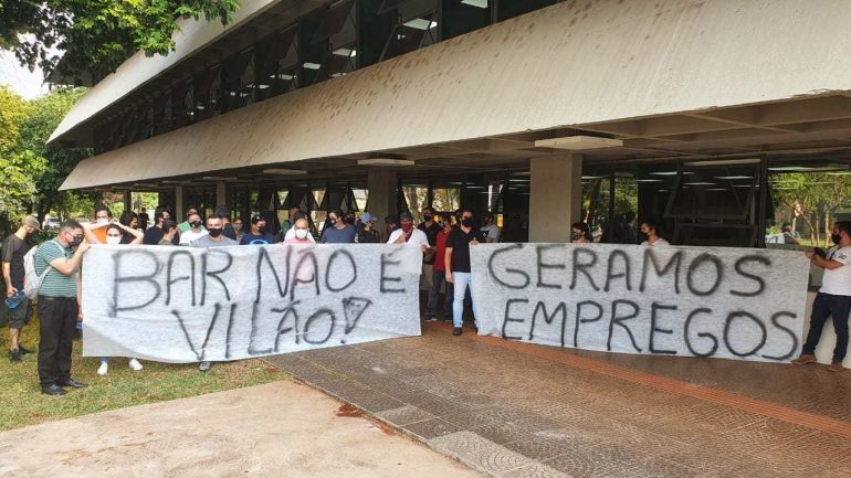 manifesto em Londrina