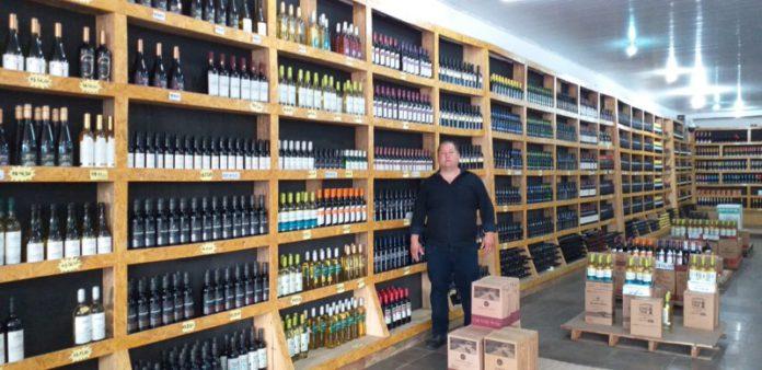 João Correa, empresário, proprietário de loja franca em Barra do Quaraí (RS) (Foto Divulgação)